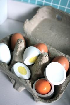 Ägg i trä