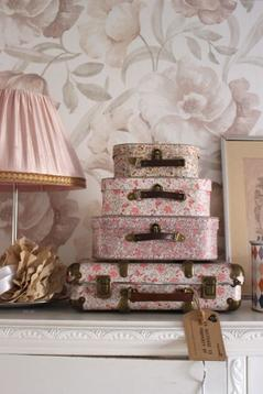 Resväska/koffert, rosablommig