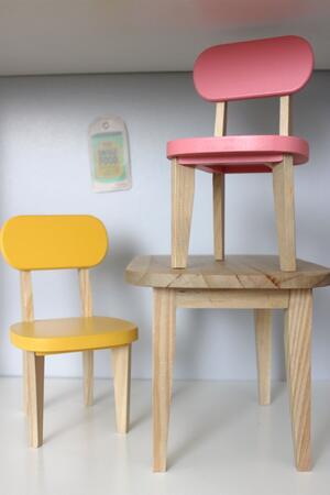Bord och stolar, gul/rosa